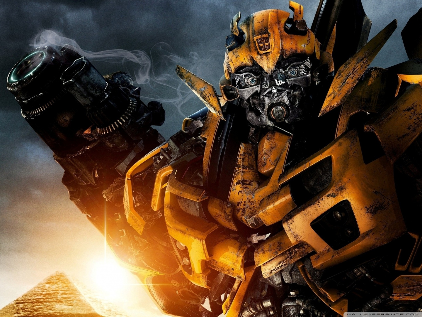 transformers_bumblebee-wallpaper-1440x1080