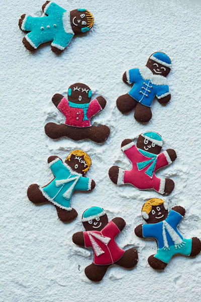 chocolate-gingerbread-snow-angels