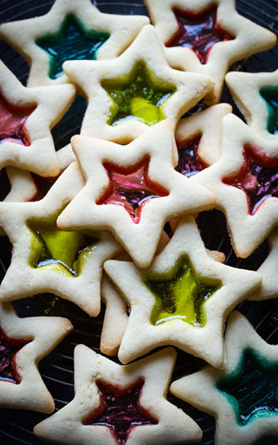 stained-glass-christmas-cookies