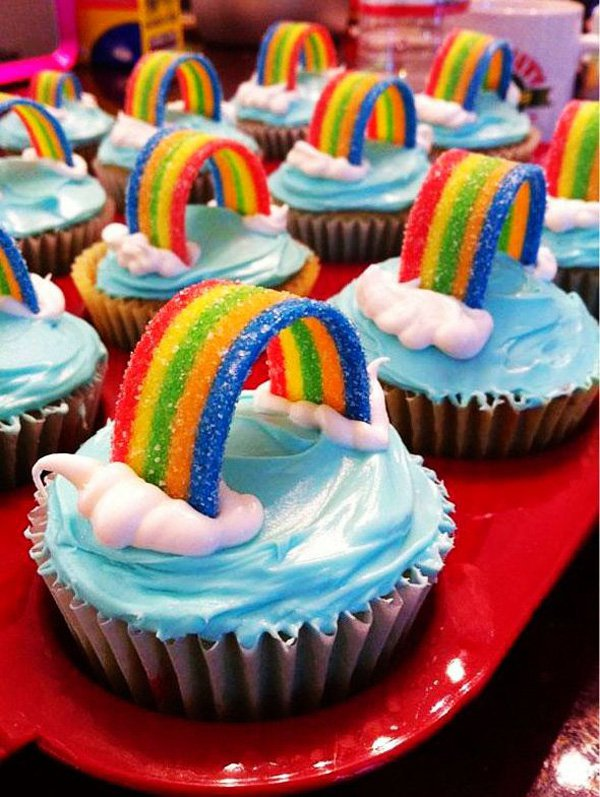 rainbow-cupcakes-for-christmas-creative-food-ideas-christmas-rainbow-cupcakes-food