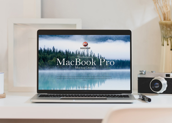 Free-Workstation-MacBook-Pro-Mockup-1